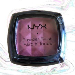 B2G2 NYX Powder Blush PB25 Pinched